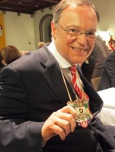 Bierorden für Bierfreund Stephan Weil.