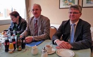 Marc Hainski (r.) mit Joachim Stünkel und Petra Kersten.