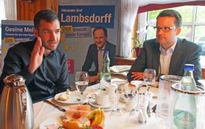 Beim Pressefrühstück: Konstantin Kuhle (links) und Christian Grascha.