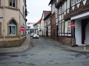 Während der Brückenbauarbeiten am Tiedexer Tor war die Maschenstraße schon mal Einbahnstraße. Archivfoto