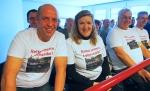 Im Zuschauerraum: Ortsbürgermeister Hans-Jürgen Kelpe und BI-Sprecherin Editha Brackmann mit ihren Mitstreitern.