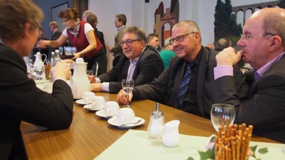 Die Sozialdemokraten Ralf Messerschmidt, Klaus-Rainer Schütte und Frank Doods im Gespräch (v.r.).
