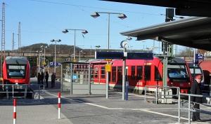 Bahnhof Kreiensen mit Service-Personal. Foto: SPD