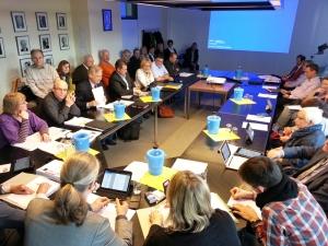 Eng, sehr eng: Kulturausschuss-Sitzung am 17.03.2015 in Raum 107 im Neuen Rathaus.