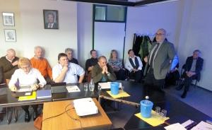 Dr. Michael Bonder (r.) vom Verein Kulturpforte Göttingen präsentierte das Projekt im Kulturausschuss.