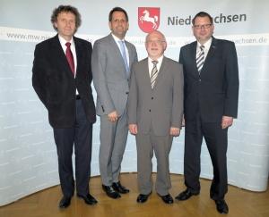 Uwe Schwarz, Olaf Lies, Dr. Hartmut Heuer, Christian Gabriel. Foto: SPD