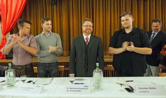 Beifall für den Kandidaten (v.l.): Helmar Breuker, Christian Dörries, Bernd von Garmissen, Christian Müller, Dirk Ebrecht.