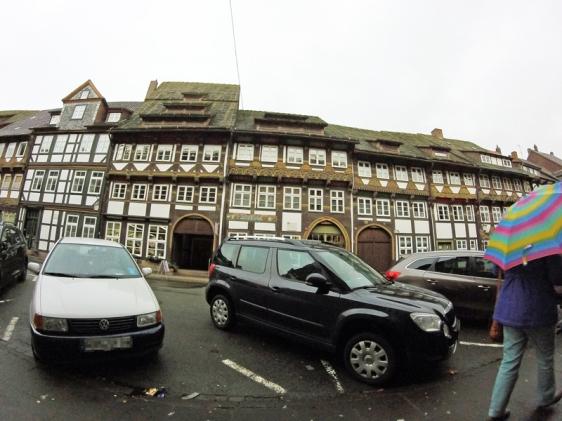 Parken vor Fachwerk-Fassade: So wie es jetzt ist, soll es nicht bleiben.