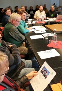 Im Kulturausschuss stellten Martin Keil (2.v.r.) und Volker Stix (r.) das Projekt vor.