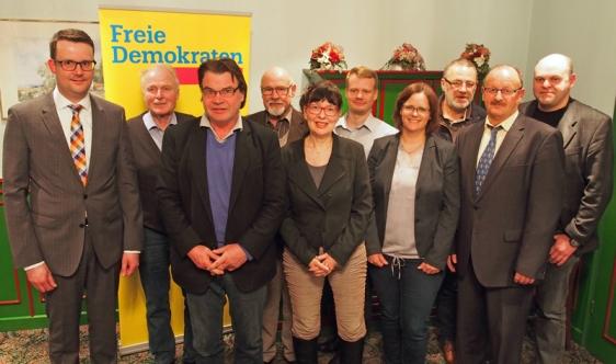 Appetit-Anreger (v.l.): Christian Grascha (Einbeck), Irnfried Rabe, Eckhard Ilsemann (beide Northeim), Klaus Kwasny (Uslar), Dr. Marion Villmar-Doebeling (Einbeck), Torge Gipp (Bad Gandersheim), Antje Zacharias (Dassel), Dr. Christian Eberl (Nörten-Hardenberg), Edgar Martin (Kalefeld), Bernd Bundstein (Moringen).