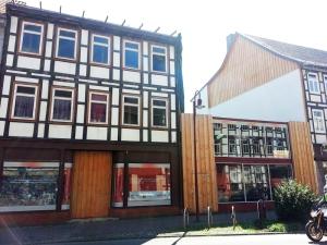 Die zwei Grundstücke der Brandlücke Altendorfer Straße möchte die Stadt Einbeck verkaufen.