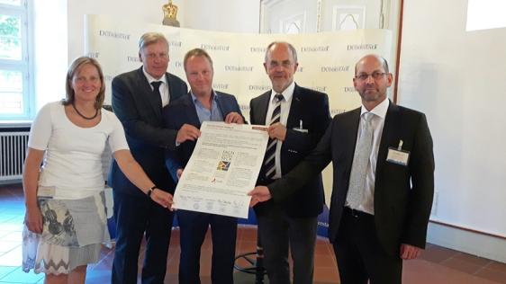 Wollen weiter zusammenarbeiten: die Bürgermeister (v.l.) Dr. Sabine Michalek (Einbeck), Hans-Erich Tannhäuser (Northeim), Klaus Becker (Osterode), Wolfgang Nolte (Duderstadt) und Harald Wegener (Hann.Münden).